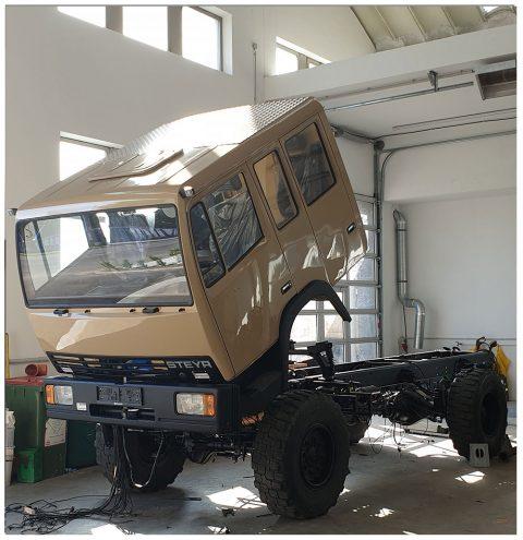 Steyr 10S18 4x4